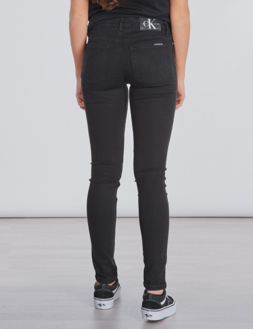 Calvin Klein barnkläder - SKINNY MR SUST BLACK