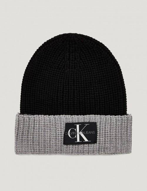 Calvin Klein barnkläder - MONOGRAM KNITTED BEANIE