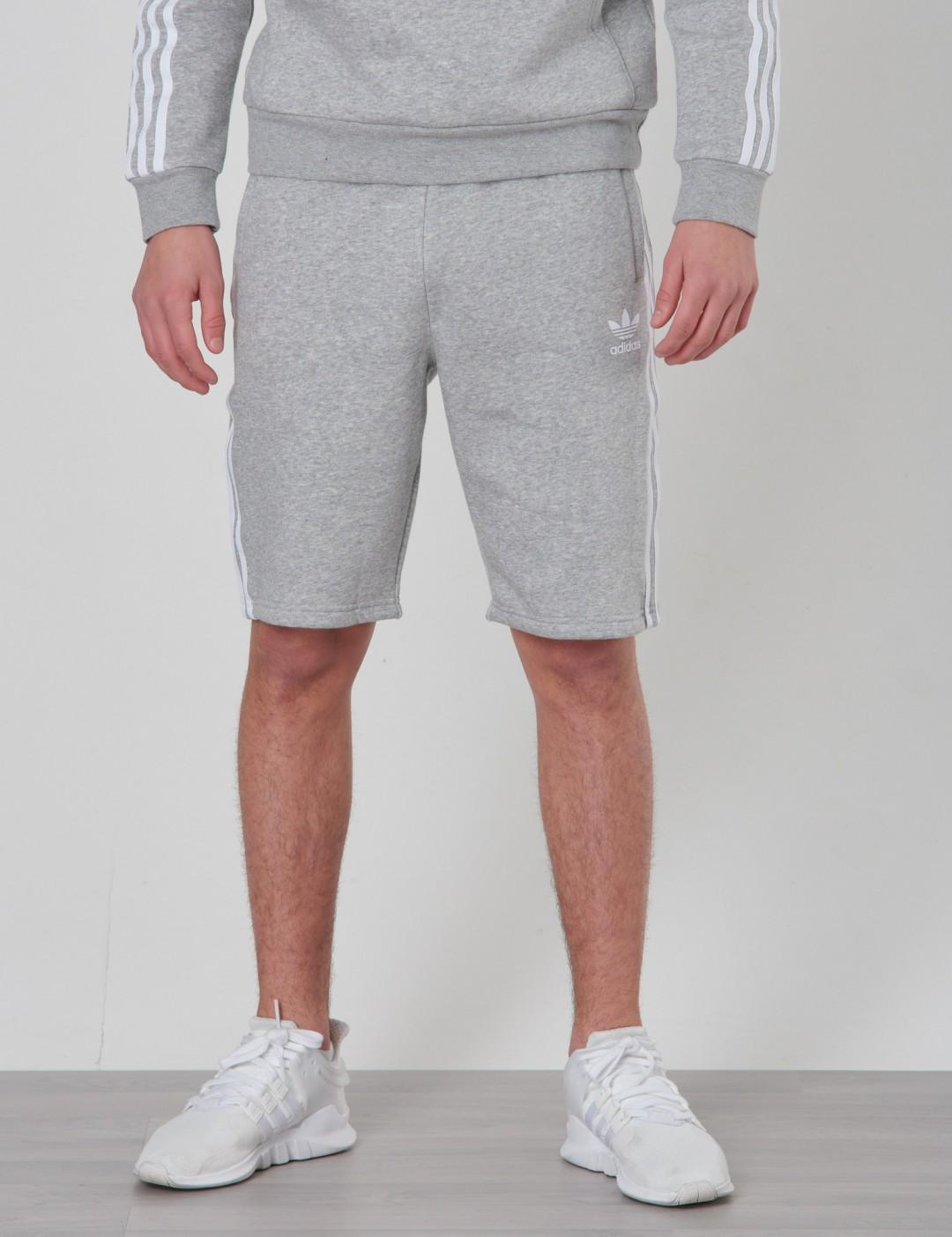30823afe Om Fleece Shorts - Grå från Adidas Originals | KidsBrandStore