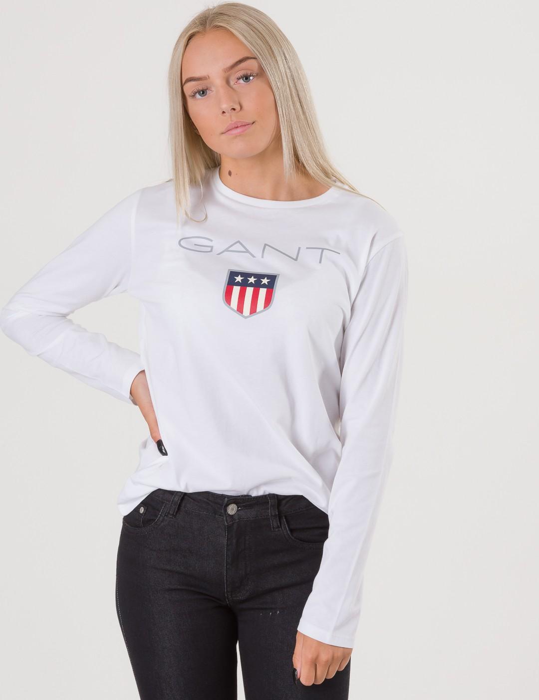 Om Tb. Gant Shield Logo Ls T-Shirt - Vit från Gant  fc4a801f160ac