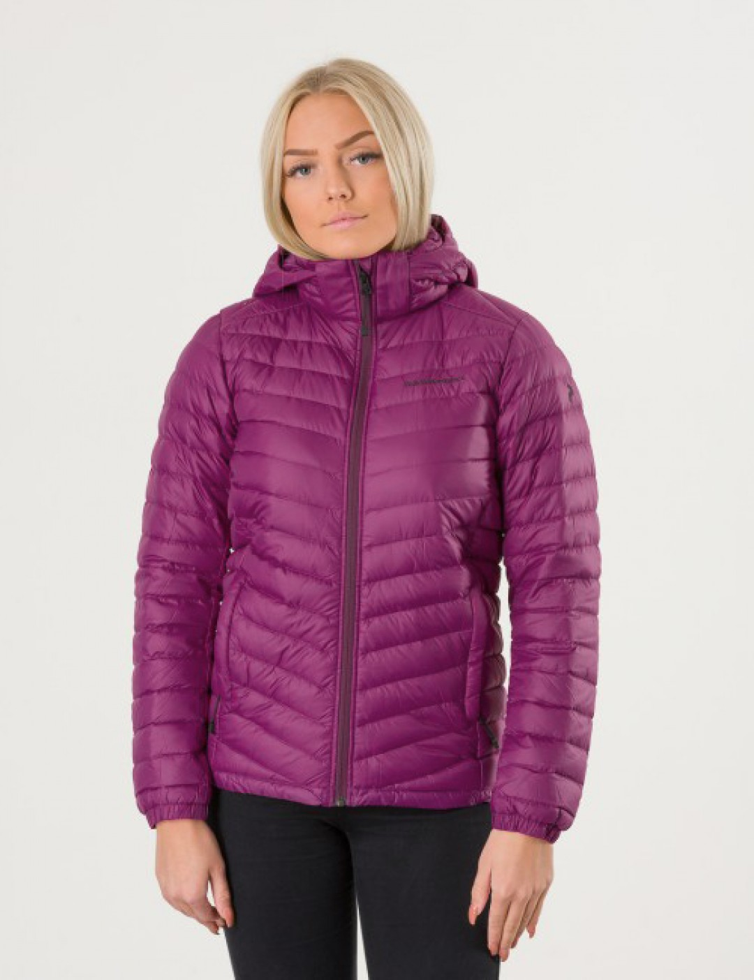 acb6bb22 Om Frost Down Hoodie Jacket - Lilla från Peak Performance ...