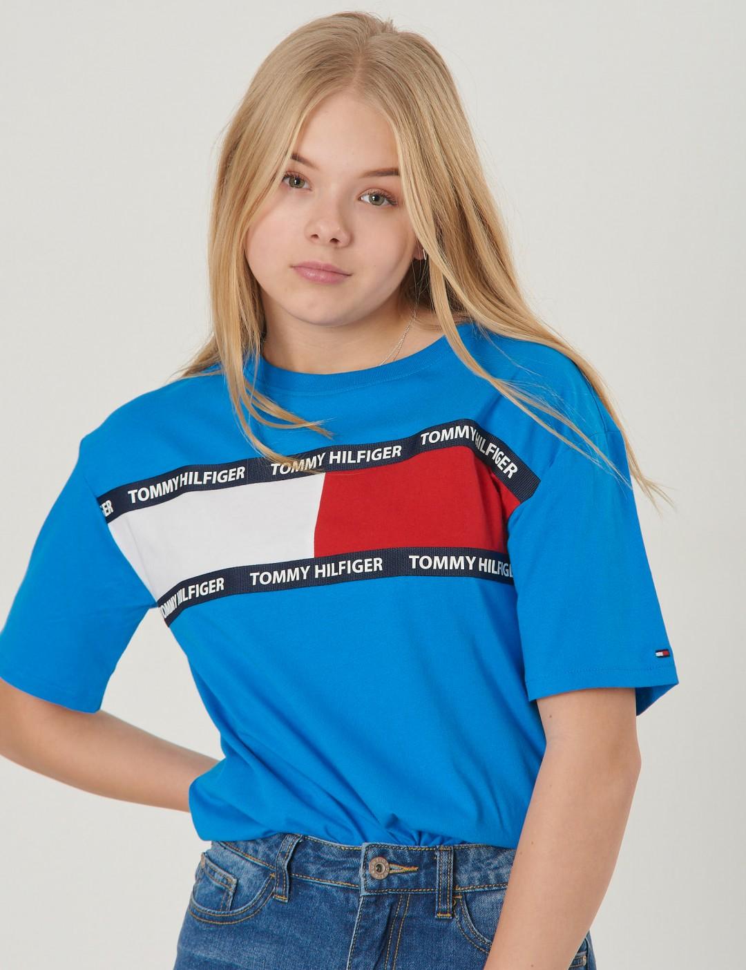 057b81f9 Om U Flag Tee S/s - Blå från Tommy Hilfiger | KidsBrandStore