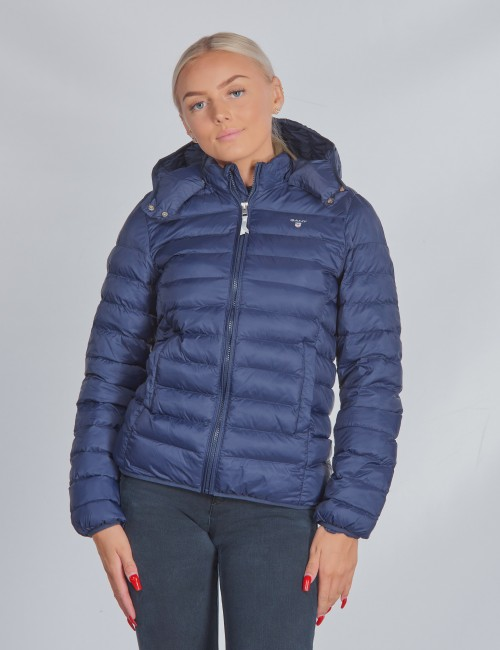 D1. LIGHT WEIGHT HOODED PUFFER