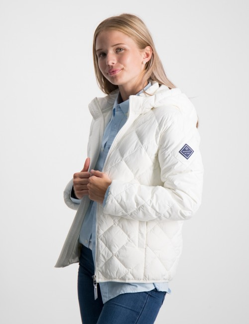 THE LT WEIGHT DIAMOND PUFFER