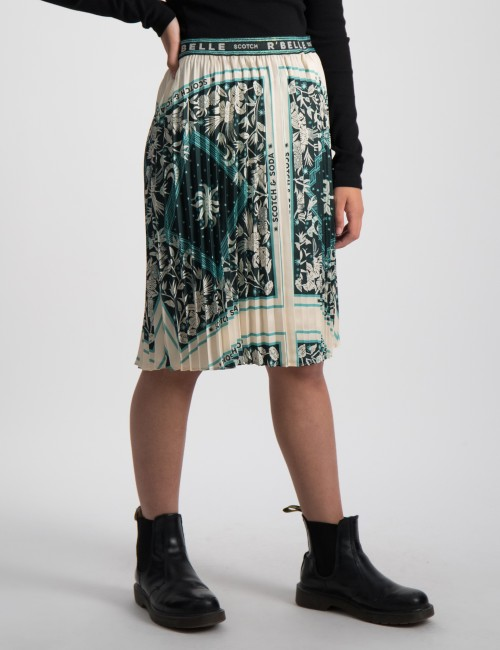 Plisse skirt with scarf inspired print