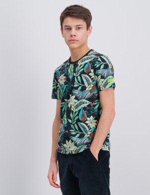 Tee with all-over print